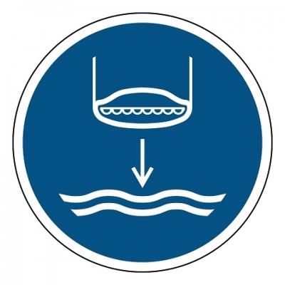 M039 Reddingsboot te water laten