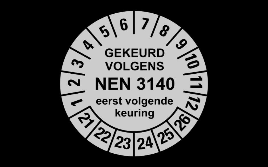 NEN3140 zilver